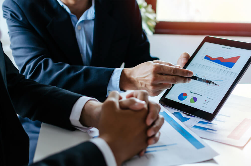 partner-business-man-investor-team-brainstorming-planning-about-financial-statistics-chart-information