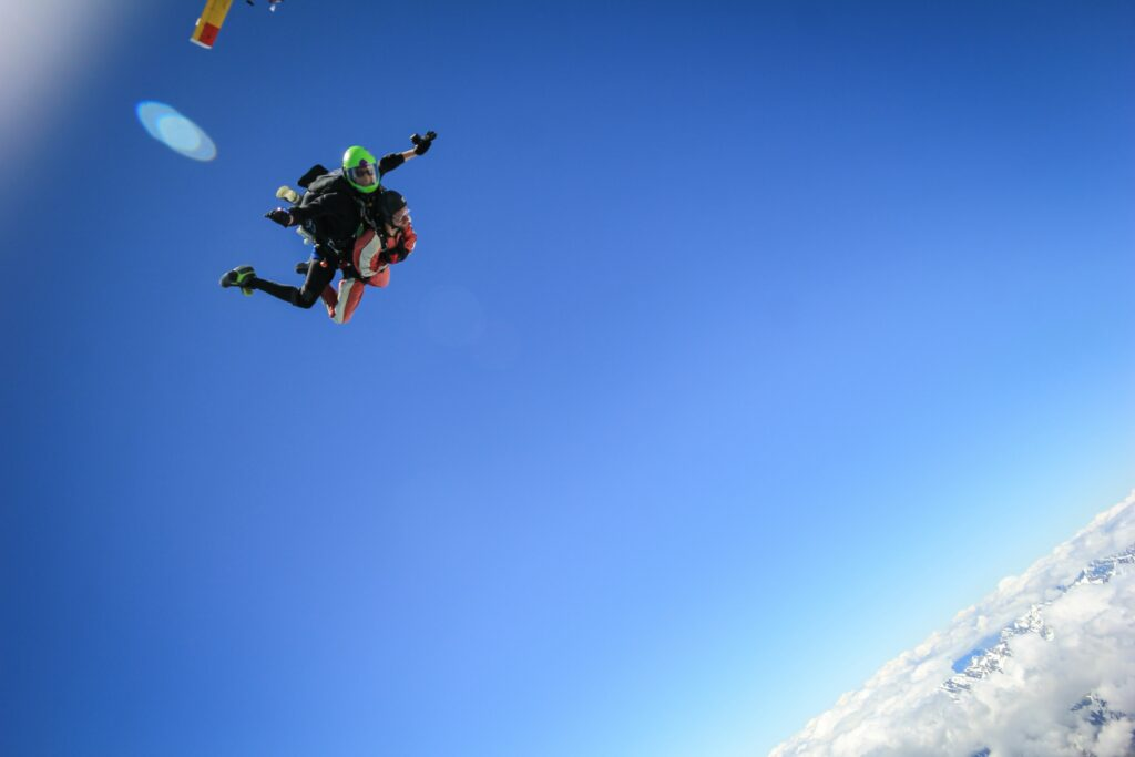 Skydivers in a free fall